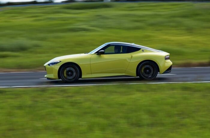 Nissan Z Has Debuted: Brings Retro Chic, Twin-Turbo V6, Modernized Interior_photo