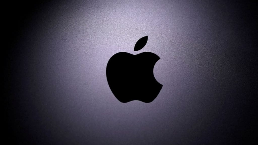 Apple Aims To Build a Passenger Car With Its Own Battery Tech by 2024_image