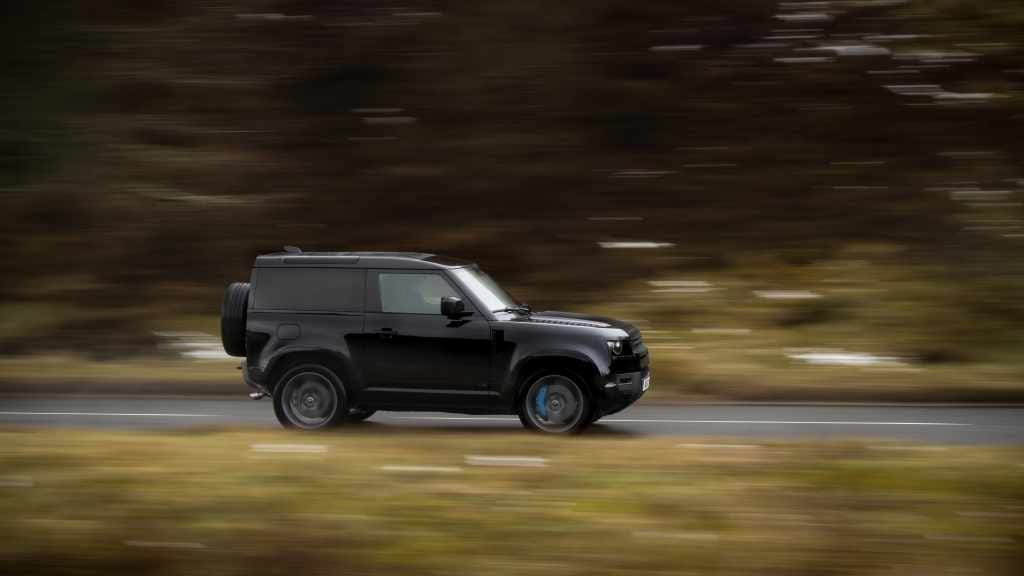 Land Rover Defender Adds a V8 Version and Exclusive Special Editions