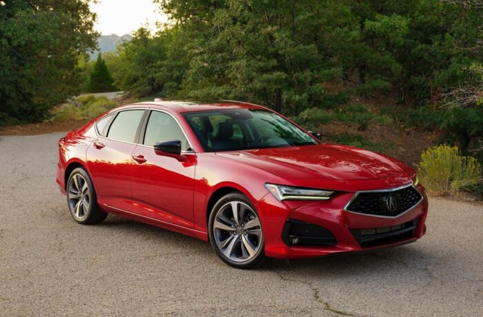 Best Car Choices for Safety 2021 from IIHS: Midsize Vehicles Dominate_photo