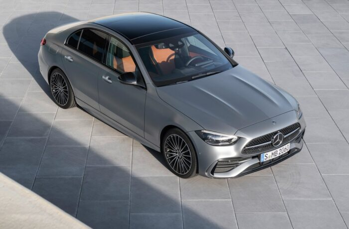 Mercedes Takes the Wraps off the Redesigned 2022 C-Class_photo