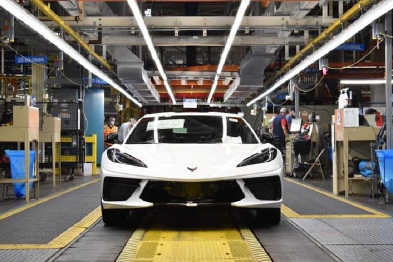 2021 Chevrolet Corvette Production Put on Pause Due to a Parts Shortage_1