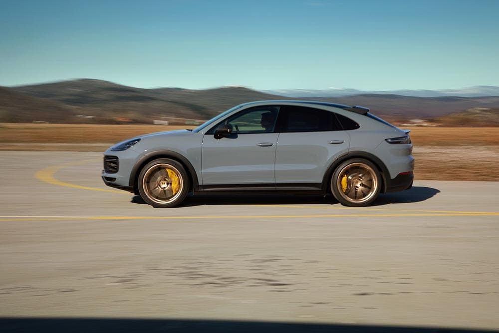 New Porsche Cayenne Turbo GT Introduced with Brand's Most Powerful V8_1