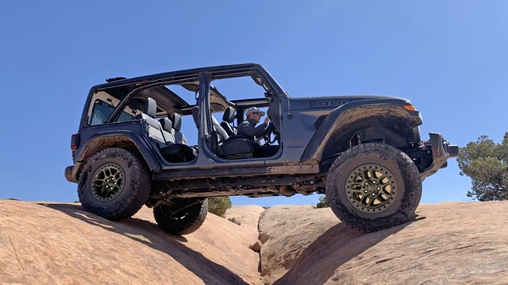 Jeep Adds a New Xtreme Recon Package to Wrangler Rubicon and Rubicon 392_1