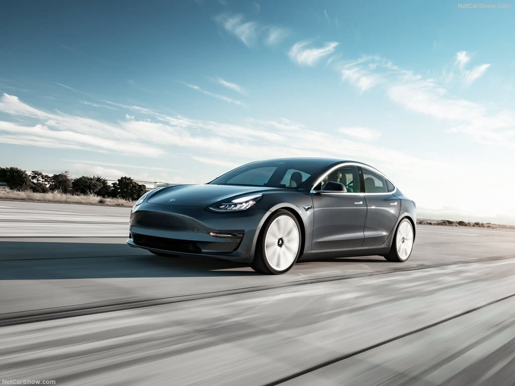 Tesla Sells Quicker Than Any Other Electric Vehicle Maker_1