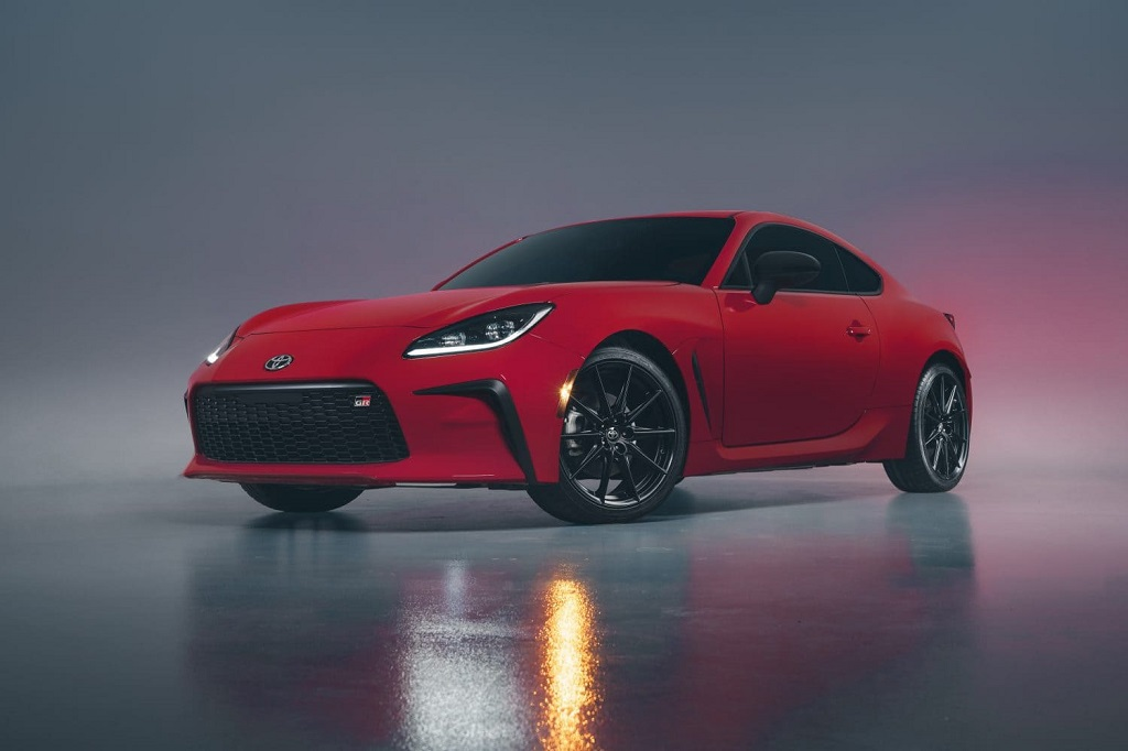 2022 Toyota GR 86 Debuts: Marks Revival of Brand's Sportscar Lineage_1