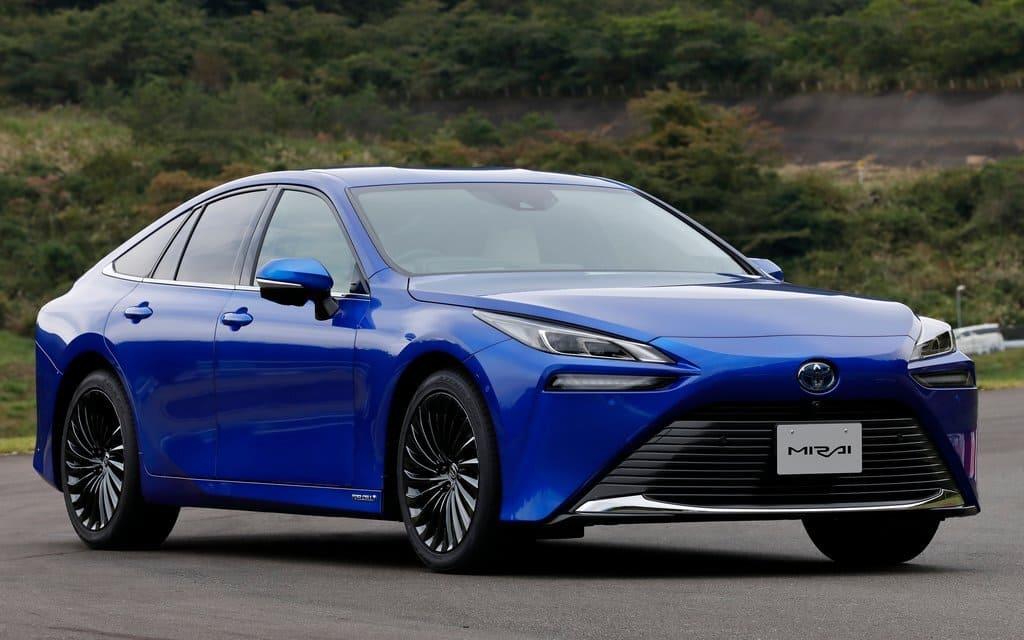 Should You Buy a Hydrogen-Powered Vehicle? - 2022 Toyota Mirai